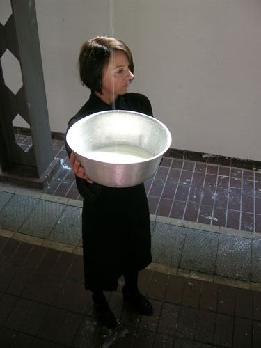 catching milk 2006